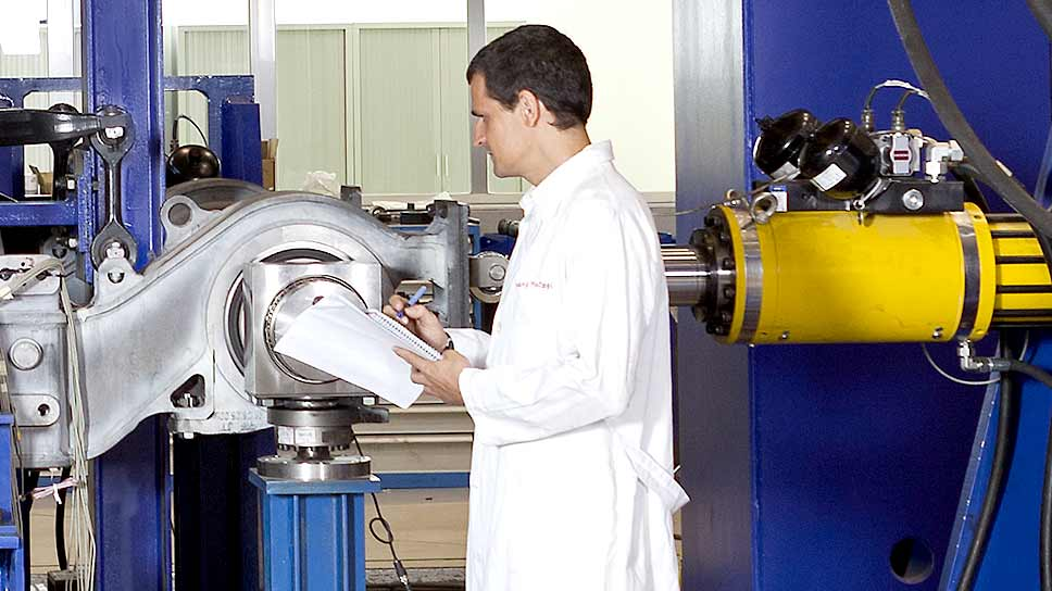 Cetest-Testing of bogie / truck frames and bolsters